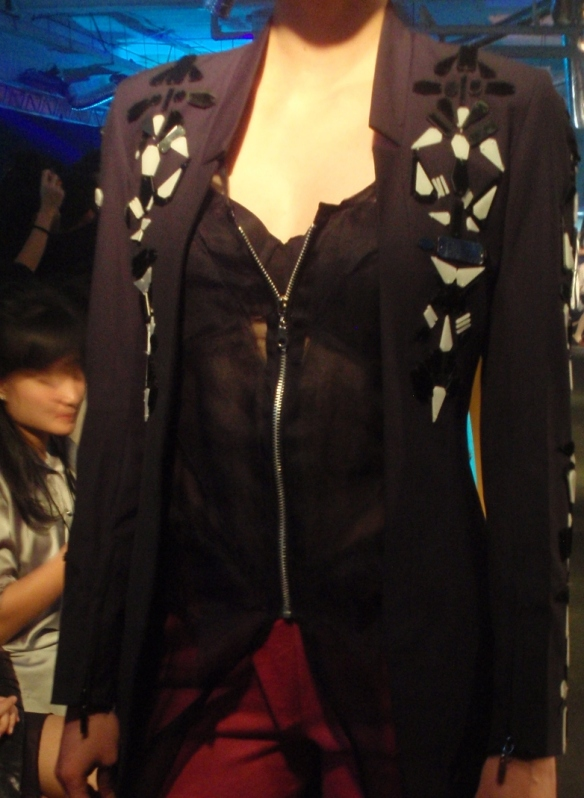 Salah satu koleksi teranyar Danjyo-Hiyoji. Suka blazer hitam ini :D