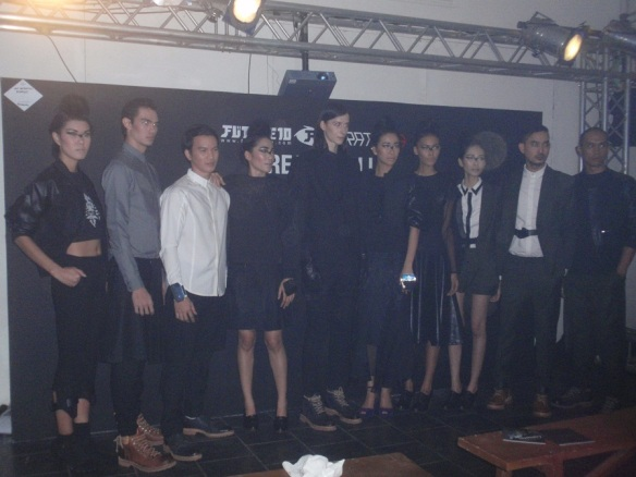 """Dark Collections"" Danjyo-Hiyoji yang bikin jatuh cinta(khususnya 4 koleksi di tengah foto). I love this collection, cause, hey, I love black outfit! Lol :p"